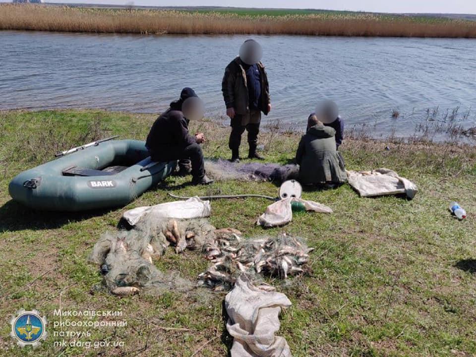 Запрет же! Николаевский рыбоохранный патруль поймал браконьеров, наловивших сетями 32 кг мелочевки (ФОТО) 11
