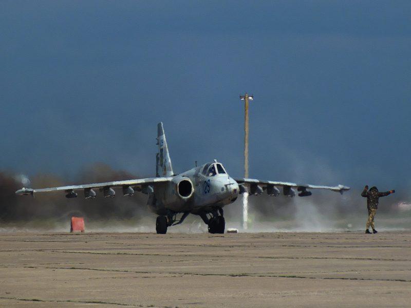 В николаевской бригаде тактической авиации студенты ХНУ Воздушных Сил «становятся на крыло» (ФОТО)