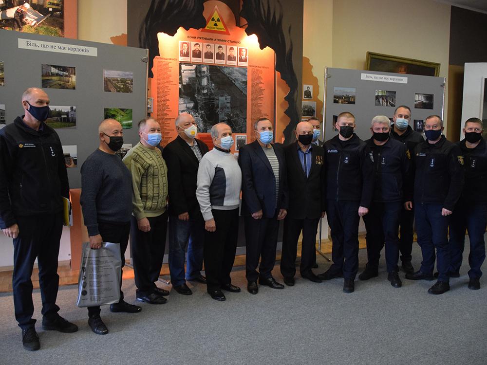 В Николаеве ветеранам-ликвидаторам аварии на ЧАЭС в Службе спасения вручили награды (ФОТО) 11