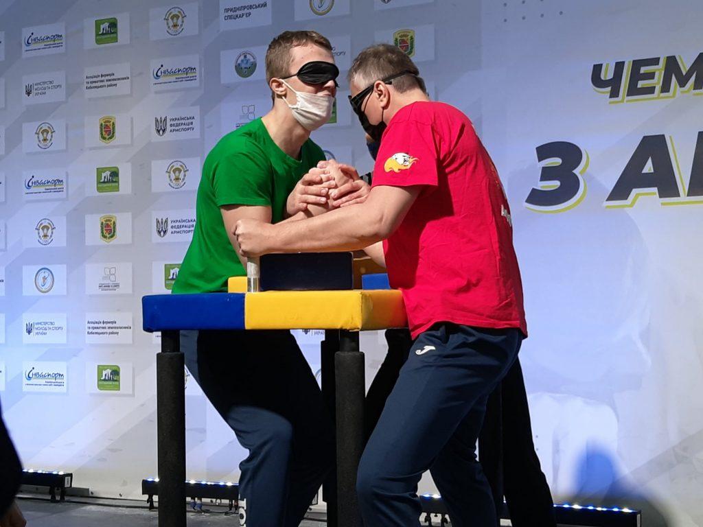 Николаевцы завоевали 12 наград чемпионата Украины по армспорту среди спортсменов с поражением опорно-двигательного аппарата и нарушениями зрения (ФОТО) 11