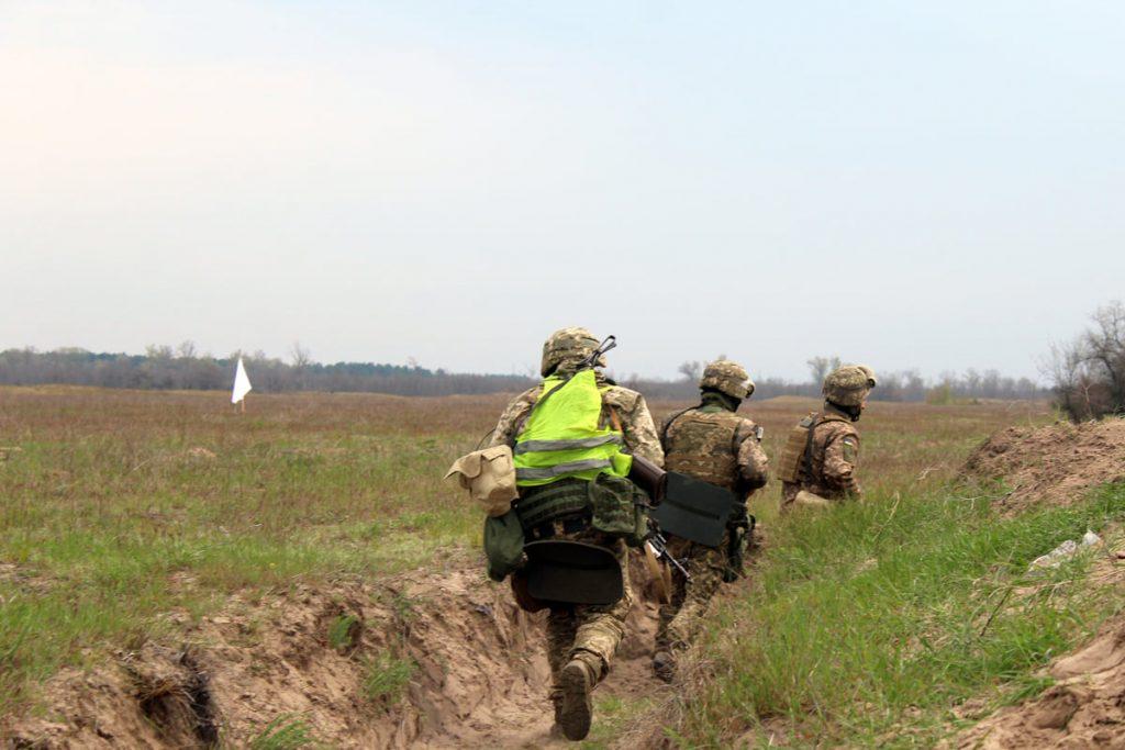 Николаевские десантники отработали действия во время боя (ФОТО) 13