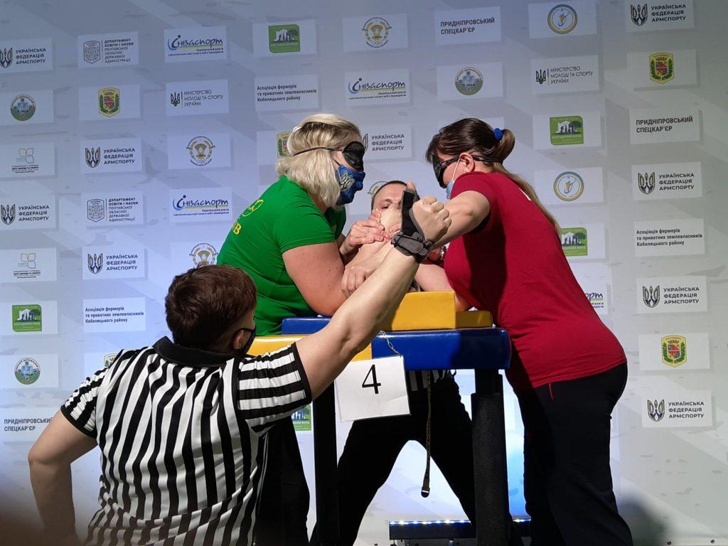 Николаевцы завоевали 12 наград чемпионата Украины по армспорту среди спортсменов с поражением опорно-двигательного аппарата и нарушениями зрения (ФОТО) 15