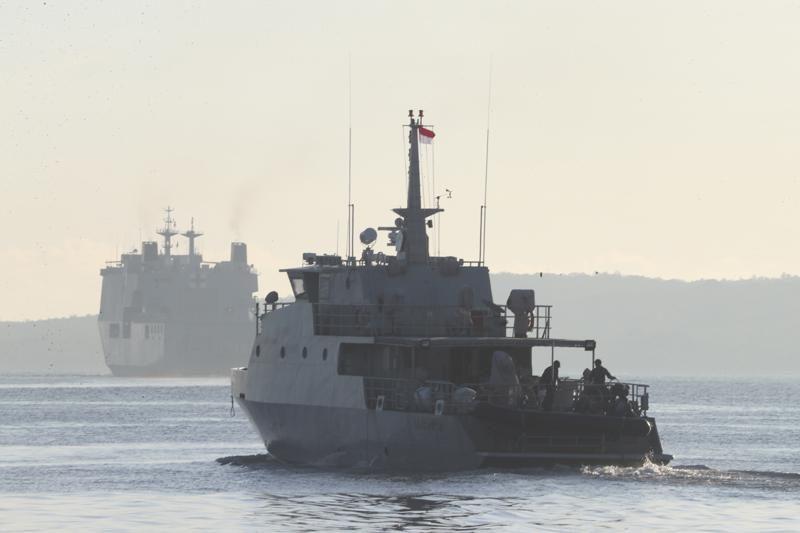 Она таки затонула. Спасатели нашли обломки индонезийской подводной лодки