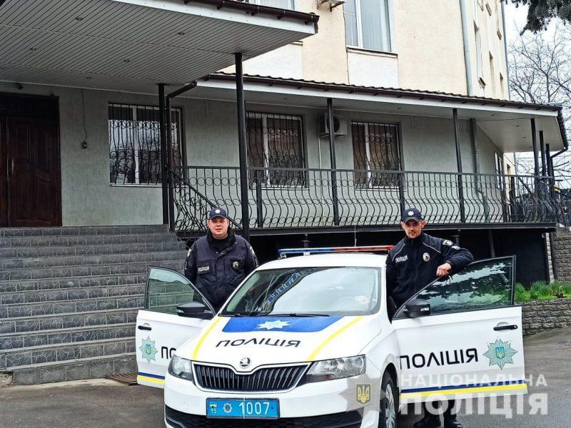 В Первомайске патрульные отговорили парня прыгать с 13-го этажа из-за ссоры с девушкой (ФОТО, ВИДЕО)