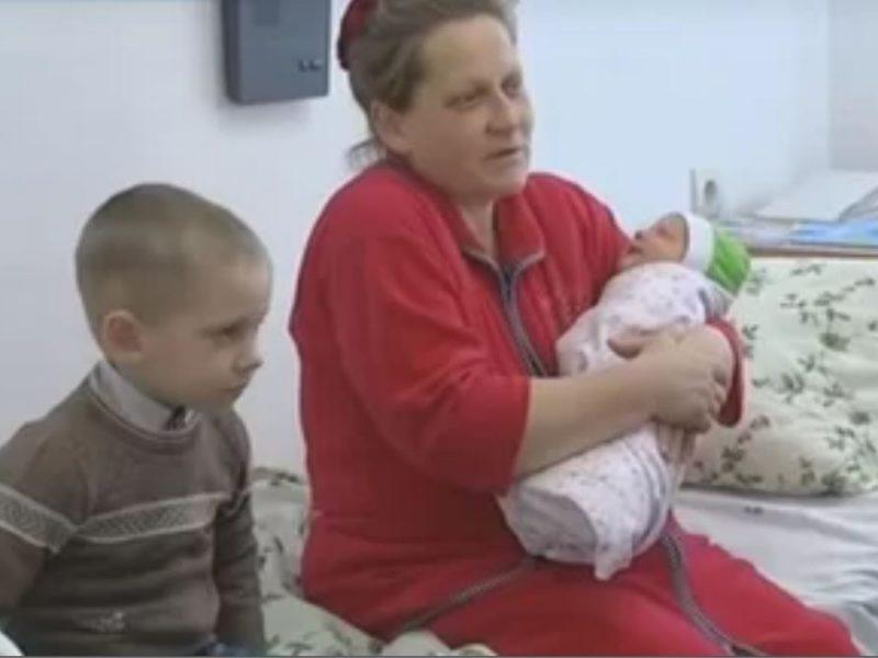 Сколько Бог даст. На Ровенщине 47-летняя женщина родила 19-го ребенка
