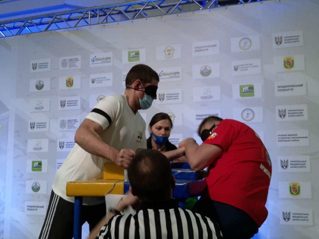 Николаевцы завоевали 12 наград чемпионата Украины по армспорту среди спортсменов с поражением опорно-двигательного аппарата и нарушениями зрения (ФОТО) 17
