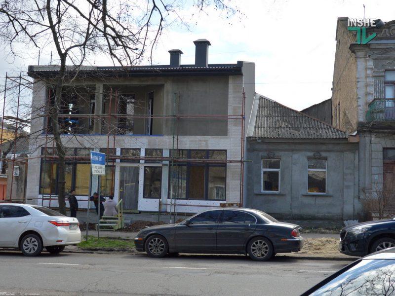 """Упал потолок, на стенах трещины. Как в старом центре Николаева дом """"перестроили"""" и при чем тут «Пропозиция» (ФОТО и ВИДЕО)"""