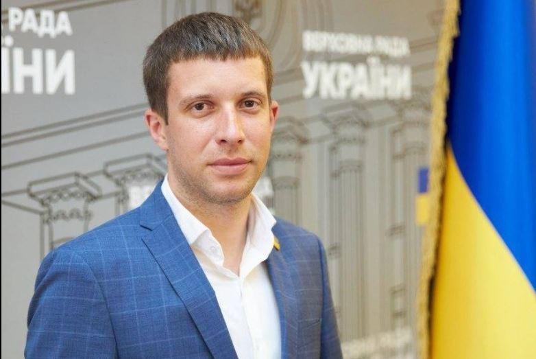 """Нардеп-""""слуга"""" подрался в Черкассах – был против закрытия ресторана, требовал продолжения банкета"""