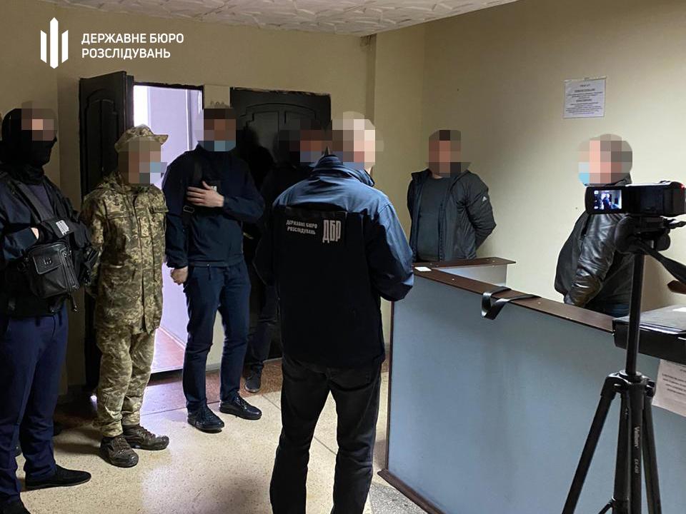 В Николаеве чиновнику Госагентства рыбного хозяйства вручили подозрение - год назад он предлагал взятку сотруднику СБУ 1