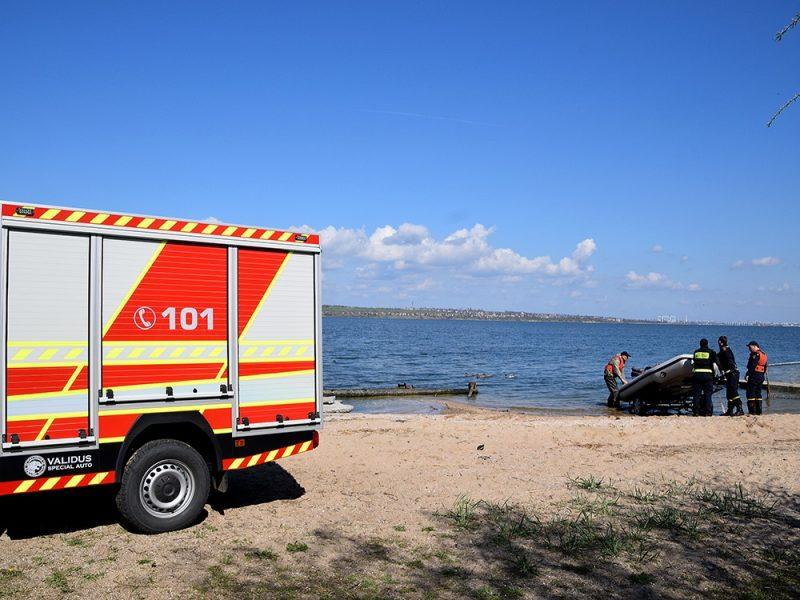 На лимане в Корабельном районе опрокинулась лодка, – спасатели ищут утонувшего