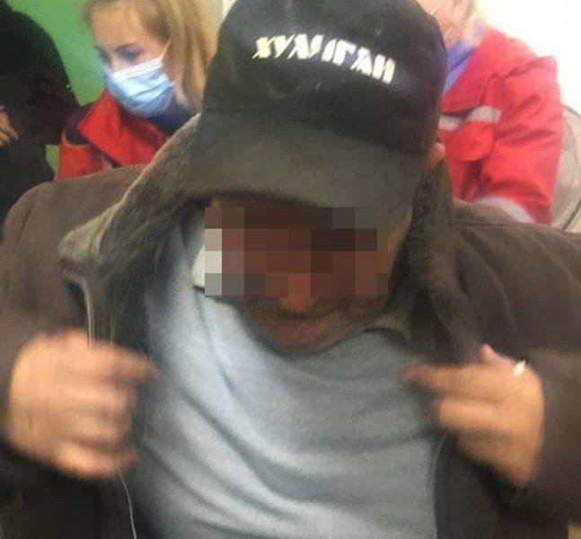 В Николаеве пьяный водитель маршрутки при задержании наехал на патрульного (ФОТО)