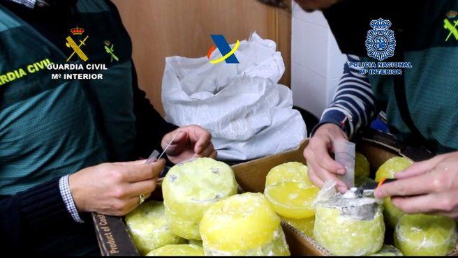 Ананасы с кокаином: в Испании накрыли группу наркодилеров (ВИДЕО)
