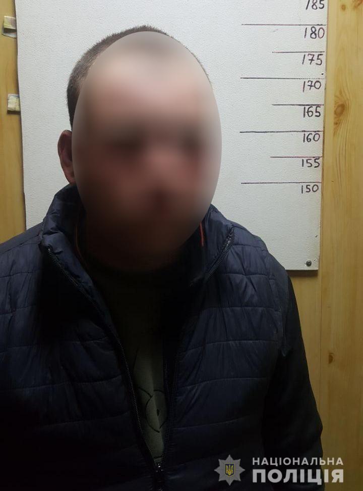 В Николаеве пьяный мужчина нанес телесные повреждения двум патрульным (ФОТО) 1