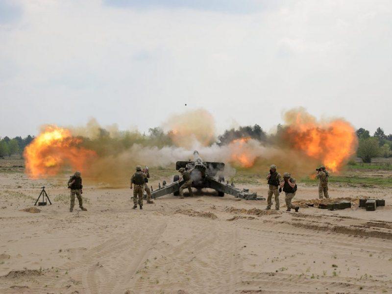 Американского сержанта посвятили в украинские артиллеристы (ФОТО)