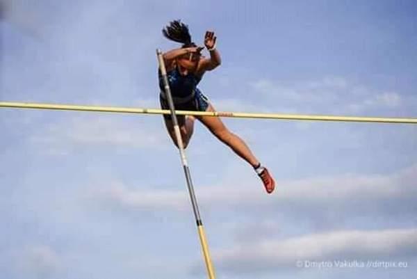 Обновлен рекорд Николаевской области по прыжкам с шестом среди женщин (ФОТО)