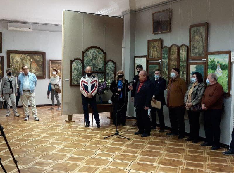В Николаевском художественном музее открылась постоянно действующая экспозиция картин Андрея Антонюка (ФОТО)