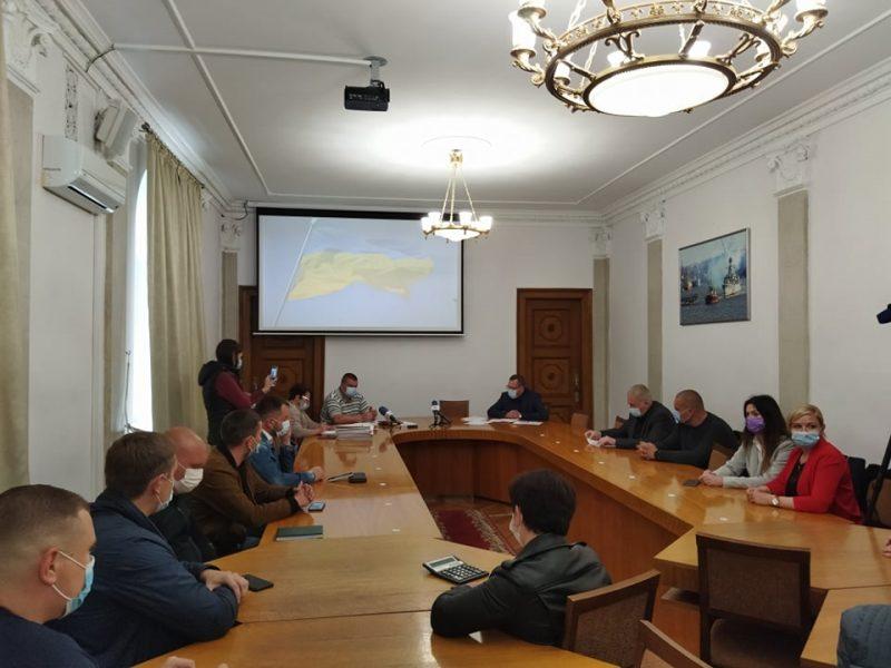 Формальность соблюли: в Николаеве состоялось обсуждение изменения тарифов на перевозку пассажиров в общественном транспорте (ФОТО)