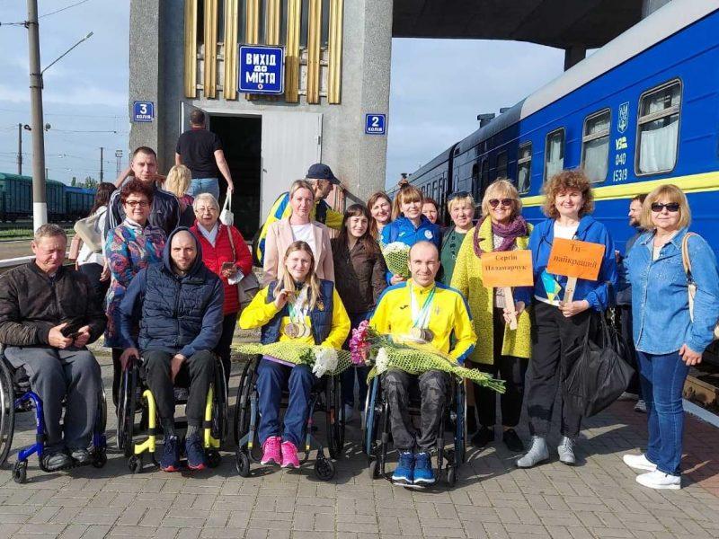 В Николаеве встретили пловцов-паралимпийцев, завоевавших на чемпионате Европы 7 медалей (ФОТО)