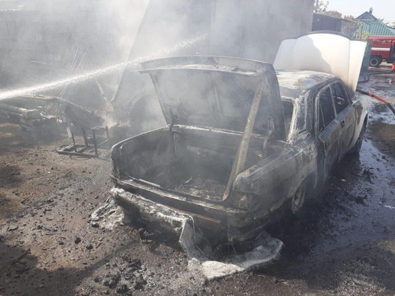 Несчастливый ремонт: в Веселиново сгорела «Волга» (ФОТО)