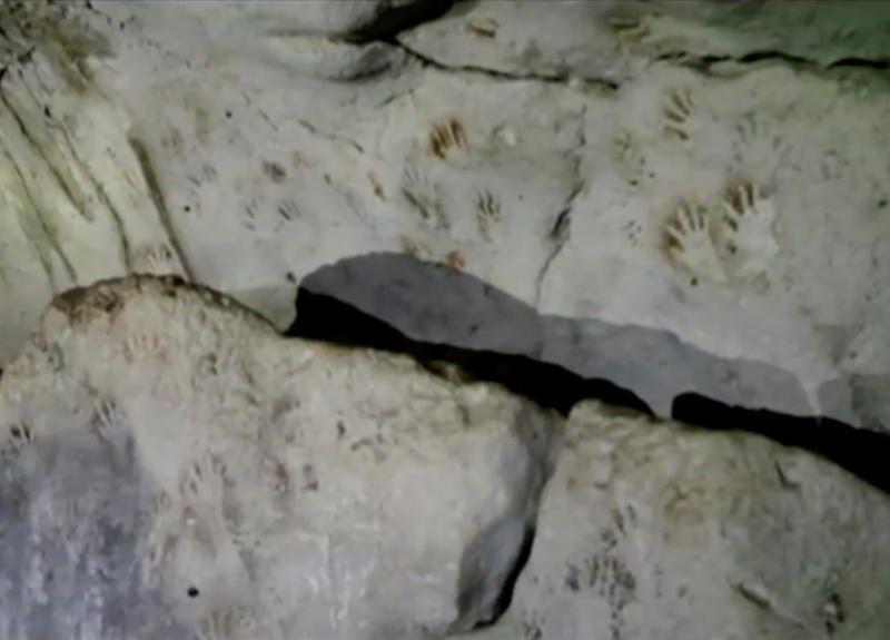 В Мексике нашли пещеру с 1200-летними отпечатками детских ладошек (ВИДЕО)