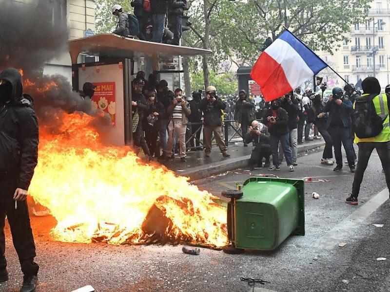 Первомайские демонстрации в Стамбуле, Париже и Берлине переросли в беспорядки