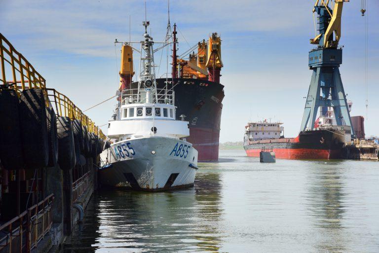 На Николаевском судозаводе «Океан» отремонтируют учебный катер ВМС Украины «Південний»