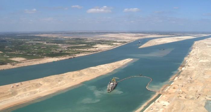Египет намерен расширить и углубить Суэцкий канал