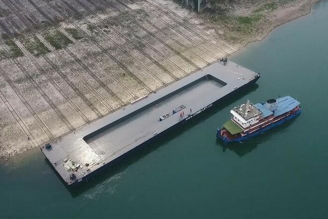 В Китае построили уникальную баржу, проект которой разработан в Николаеве