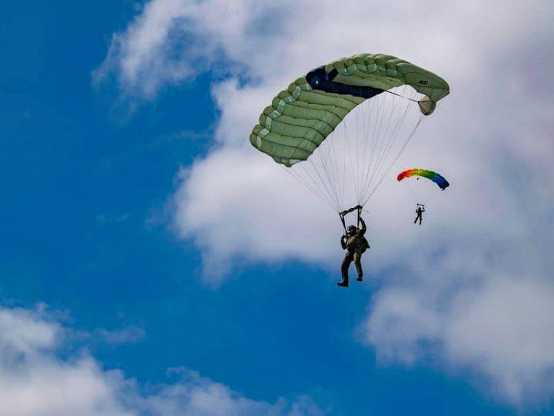 Морские пехотинцы и морские авиаторы покоряли небо над Николаевом (ФОТО)