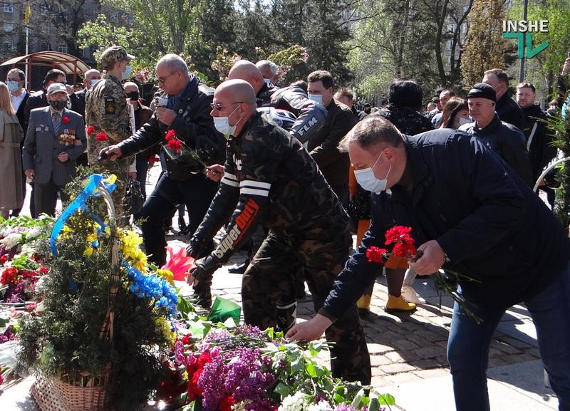 День победы над нацизмом в Николаеве: возложение цветов и мотопробег байкеров «Победа одна на всех» (ФОТО, ВИДЕО) 31