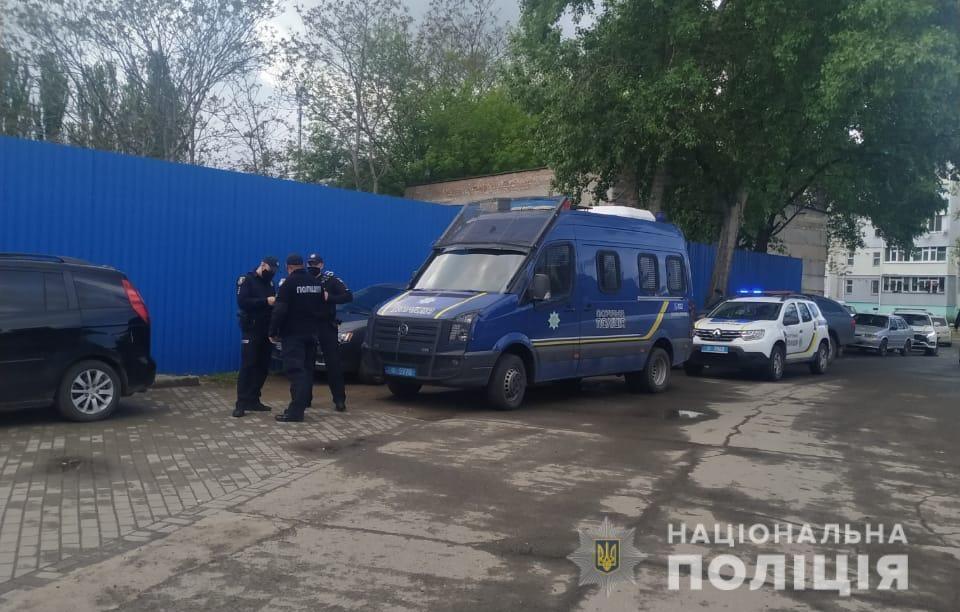 Спустя 5 дней после смерти директора Симченко Николаевский тепловозоремонтный завод заблокирован (ФОТО) Обновлено 3