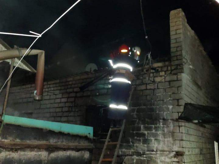 Ночью в Баштанке на рынке загорелся киоск (ФОТО) 5