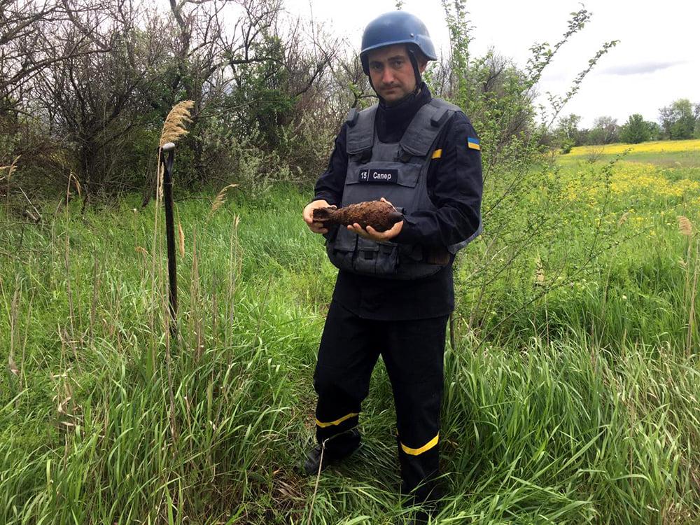 Артснаряды и минометная мина: пиротехники Николаевщины обезвредили взрывоопасные предметы (ФОТО) 3