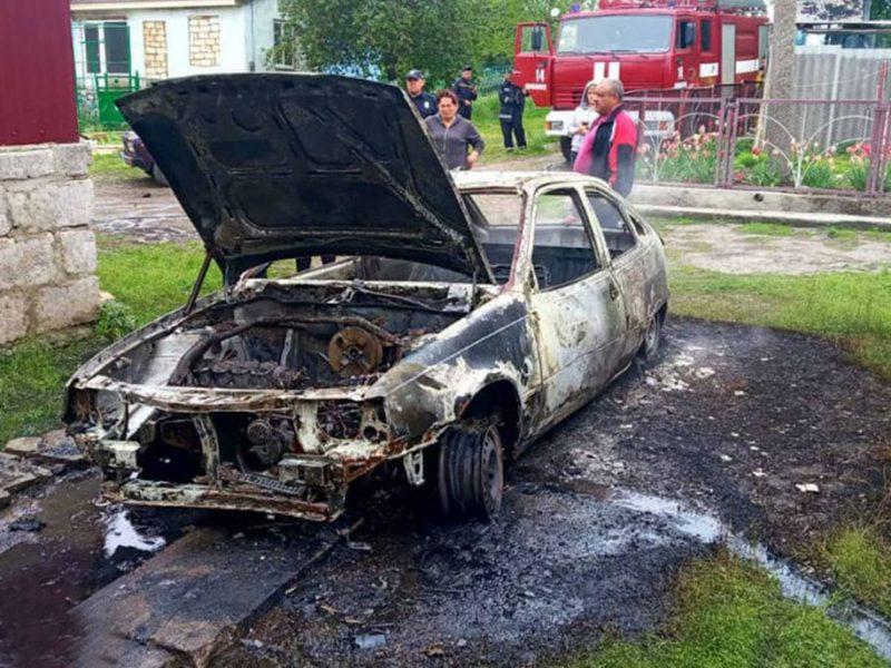 На Николаевщине сгорел очередной автомобиль (ФОТО)
