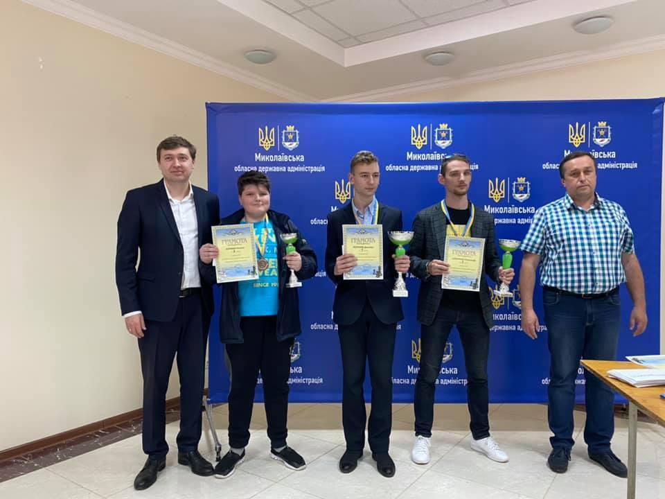 В Николаеве отыграли шахматный «Мемориал Николая Шелеста» - победу в главном турнире одержал херсонец (ФОТО) 3