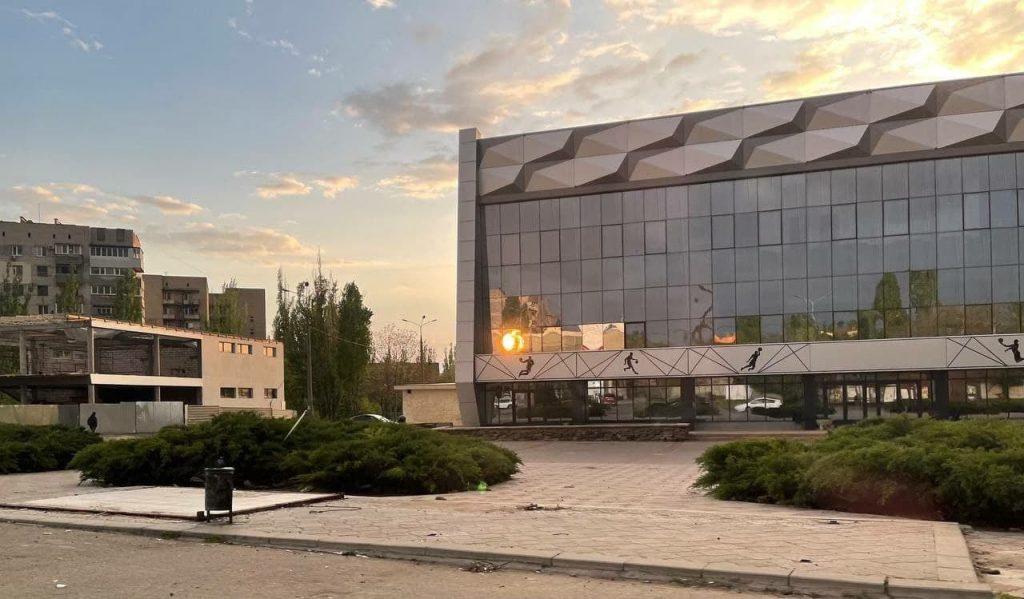 В Николаеве у «Надежды» демонтировали остановочный комплекс (ФОТО) 3