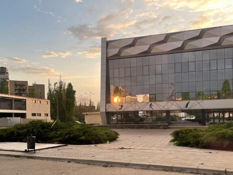 В Николаеве у «Надежды» демонтировали остановочный комплекс (ФОТО)