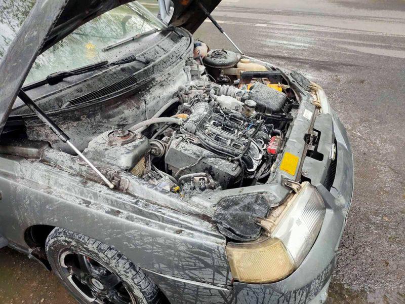 В Николаеве тушили два автомобиля (ФОТО)