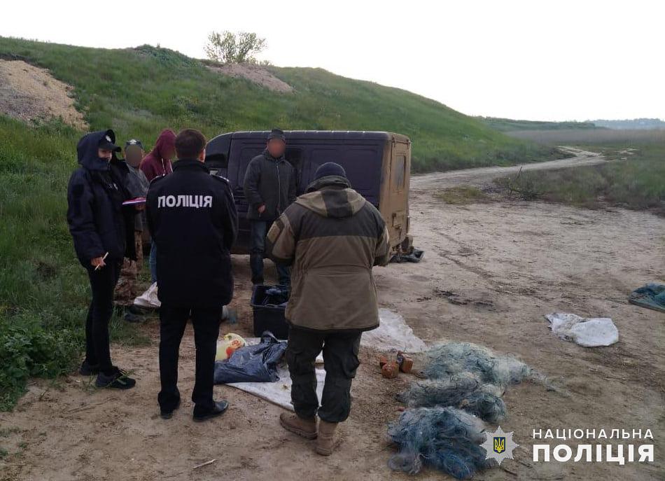 Николаевская водная полиция и рыбоохранный патруль поймали браконьеров на вылове креветки и рыбы (ФОТО) 3