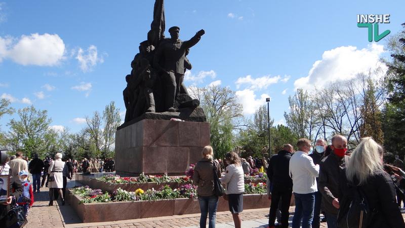 День победы над нацизмом в Николаеве: возложение цветов и мотопробег байкеров «Победа одна на всех» (ФОТО, ВИДЕО) 39