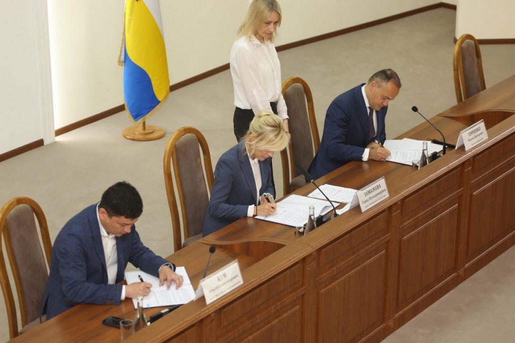 Люди, птицы и чистая энергия: ДТЭК подписал меморандум с Николаевской ОГА по строительству Тилигульской ВЭС 7