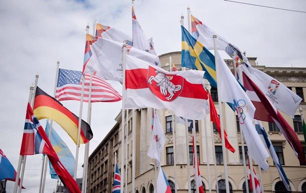 Цена флага: Беларусь и Латвия обменялись высылкой дипломатов