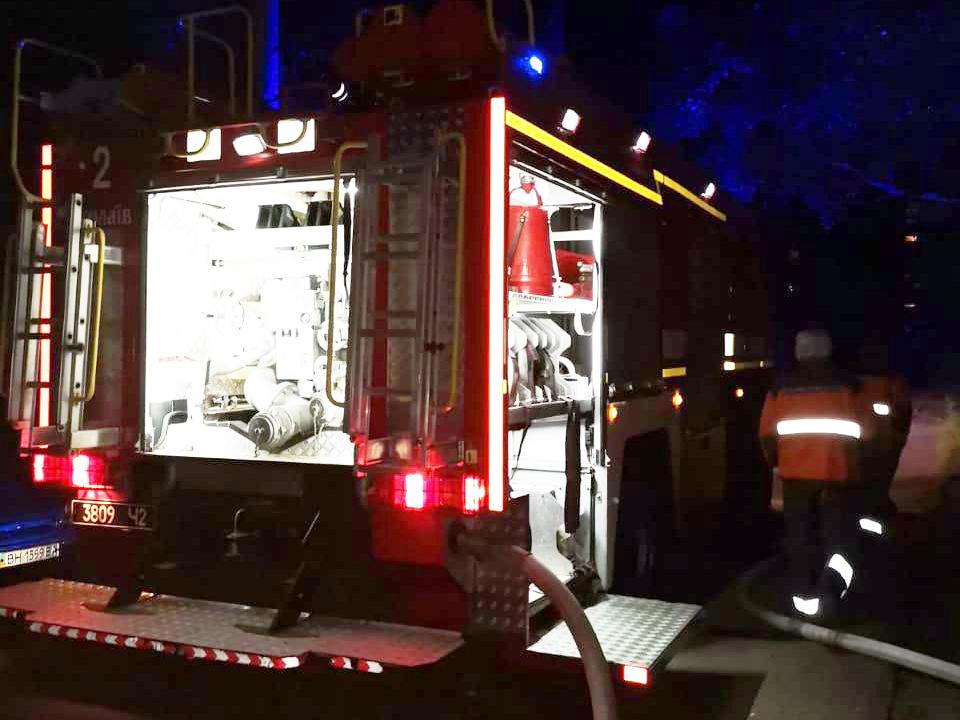 Смертельный ночной пожар в Николаеве. Погибла женщина (ФОТО) 1