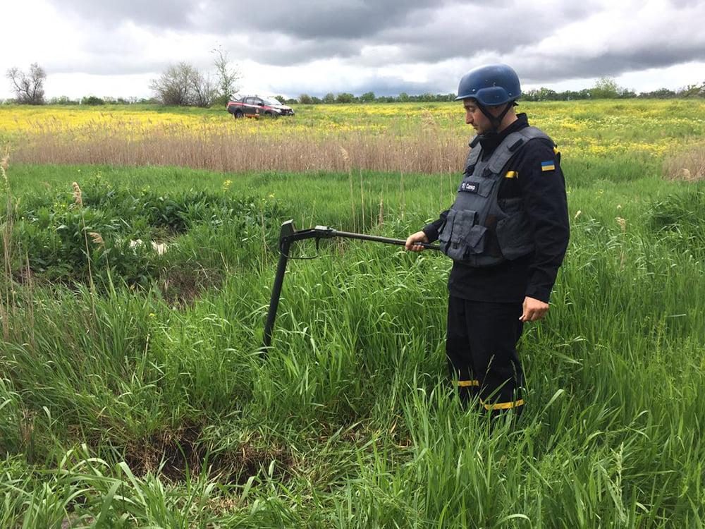 Артснаряды и минометная мина: пиротехники Николаевщины обезвредили взрывоопасные предметы (ФОТО) 5