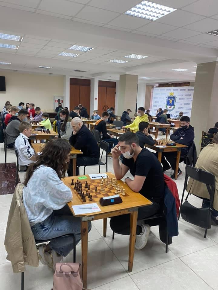 В Николаеве стартовал шахматный «Мемориал Николая Шелеста» - шахматисты приехали даже из Еревана (ФОТО) 9