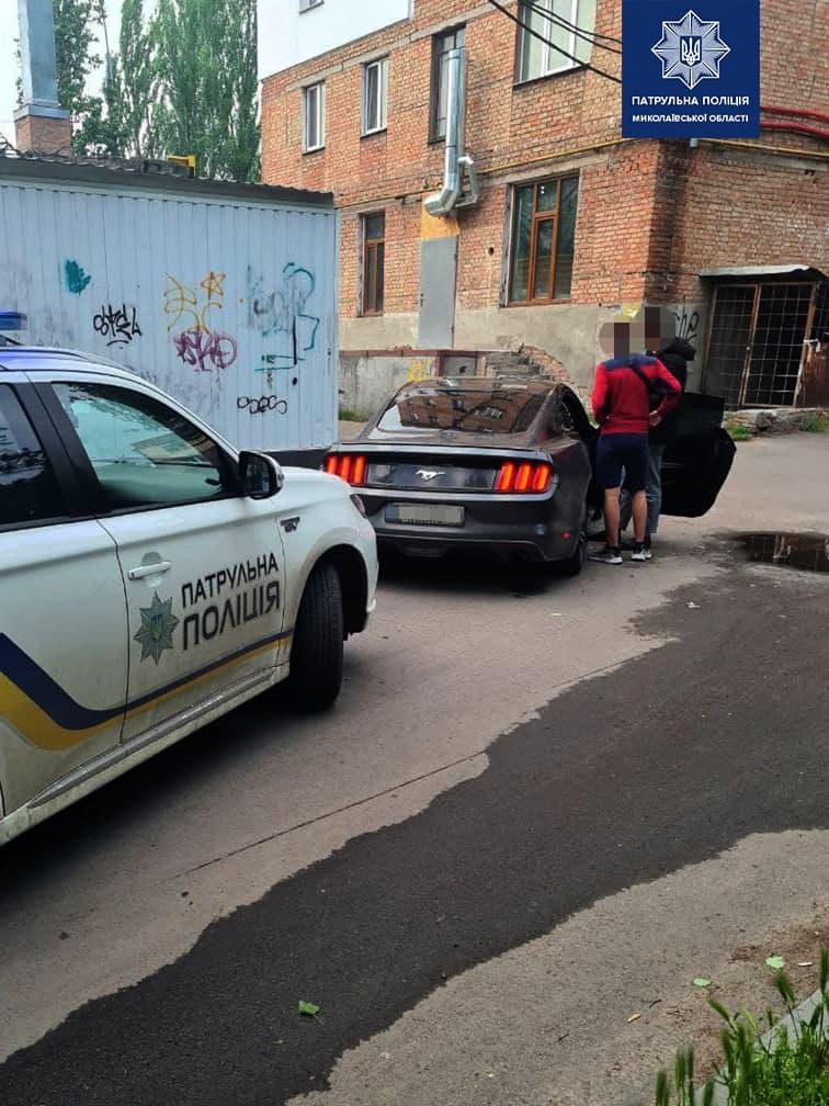 В Николаеве патрульные оштрафовали и отобрали права у дрифтовавшего на «Мустанге» водителя (ФОТО) 7
