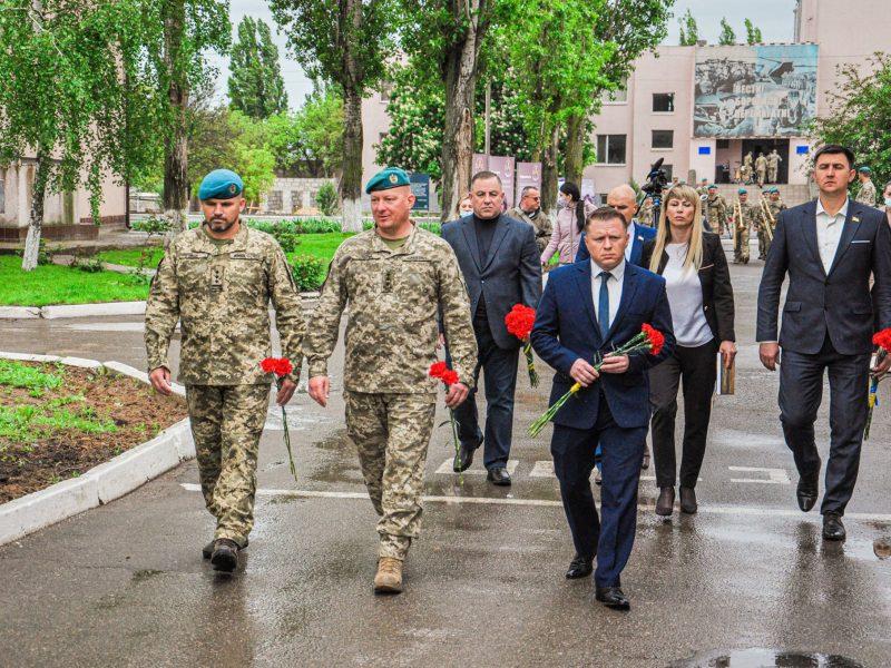 Николаевских морпехов с профессиональным праздником поздравил командующий Юрий Содоль (ФОТО)
