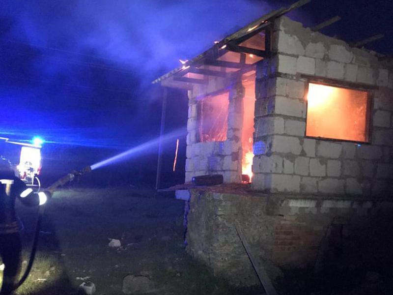 В Николаеве за сутки дважды тушили заброшенные постройки (ФОТО)