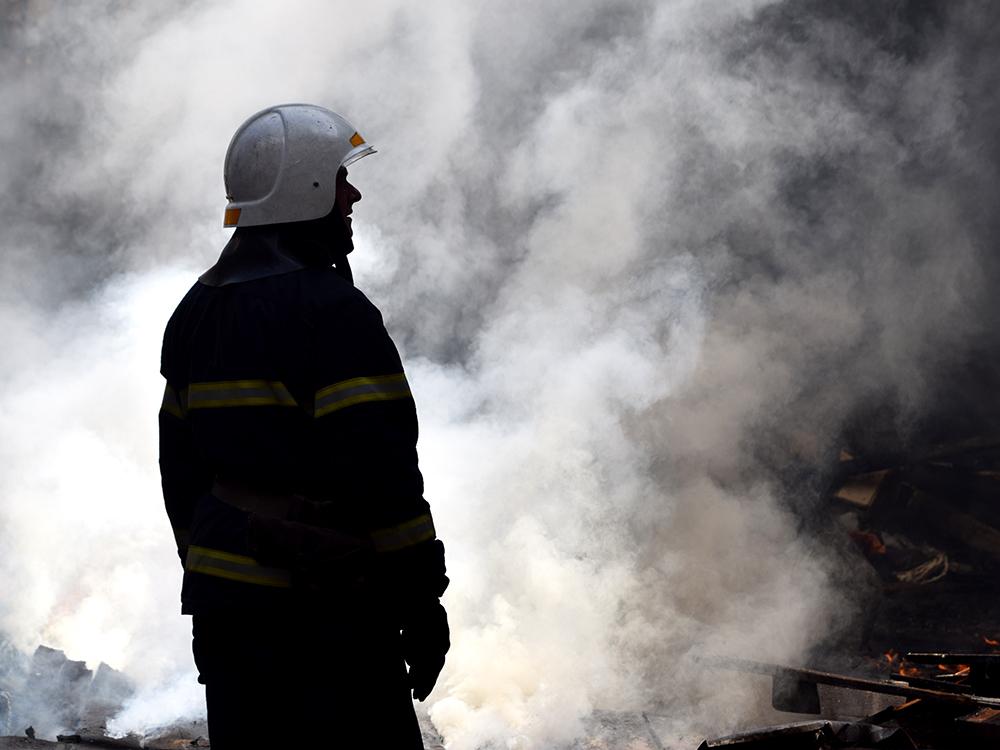 В Николаеве в районе «ЧСЗ» 4 часа тушили неэксплуатируемый цех (ФОТО, ВИДЕО) 11