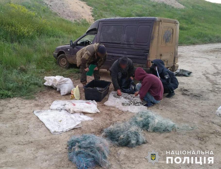 Николаевская водная полиция и рыбоохранный патруль поймали браконьеров на вылове креветки и рыбы (ФОТО) 9